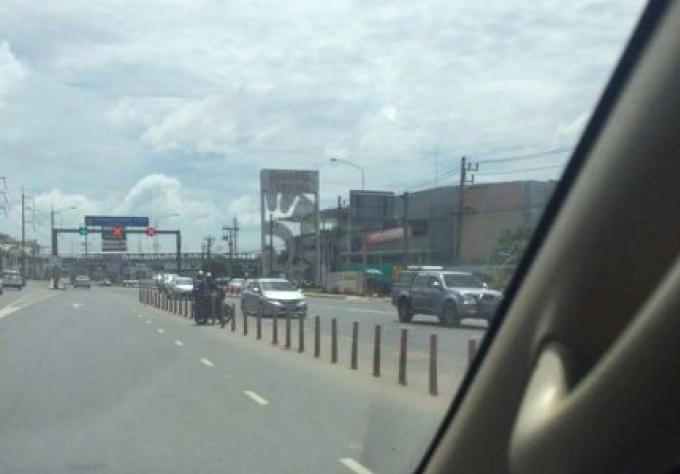 Les automobilistes à Phuket ne peuvent pas s'arrêter de faire des demi-tours illégaux