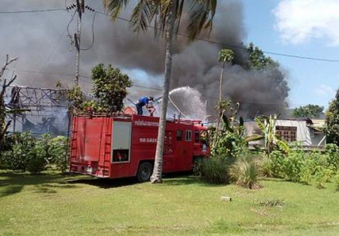 Un serpent électrocuté peut être la cause du feu du magasin de maison à Phuket