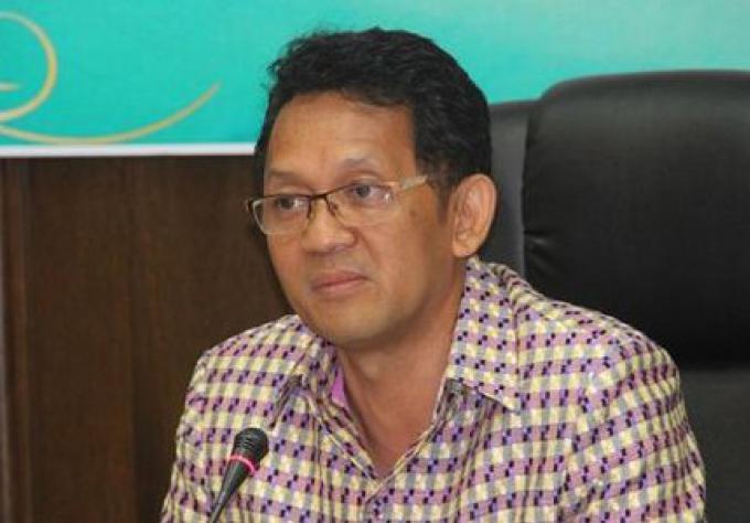 Chaises longues et parasols sur la plage seront autorisés confirme le Phuket gouverneur