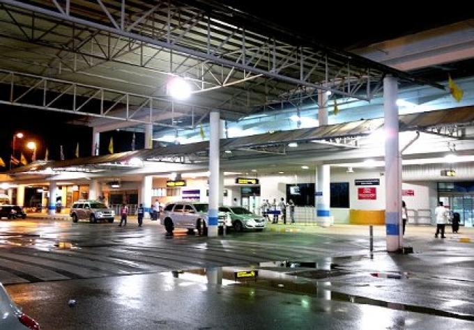 Douanes de Phuket resserrement les règles en franchise de droits