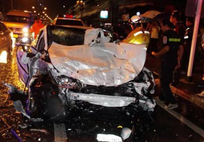 Une personne tuée et six autres blessés dans un accident frontal à Phuket