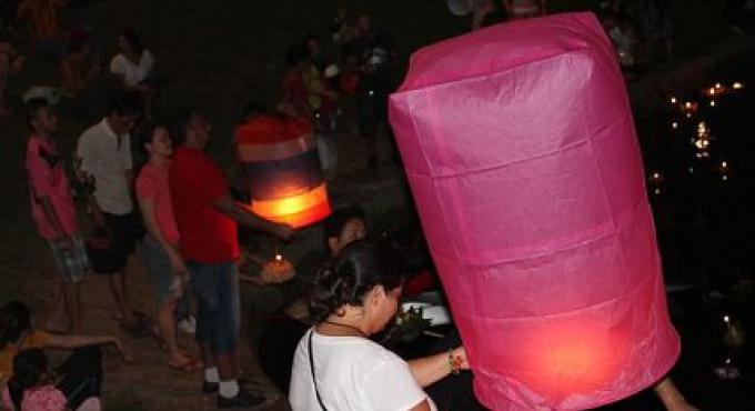 Les Fonctionnaires de Phuket encouragent pour que les célébrations de Loy Kratong soient sûres