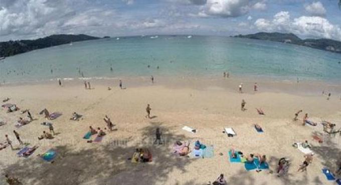 Les plages de Phuket pourraient obtenir des centres de services touristiques
