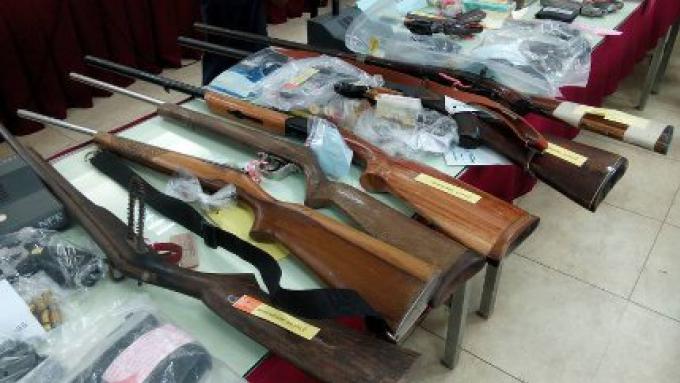 Une grande quantité d'armes et de drogue saisis le longue de la campagne de la semaine anti-crimina