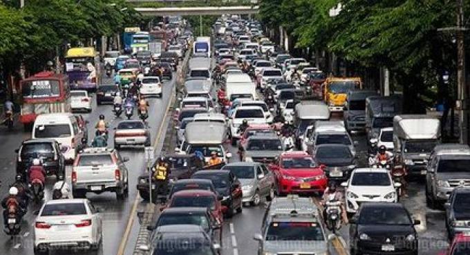 Le Chef de police de la ville doit resoudre le problème de trafic Bangkok en 3 mois