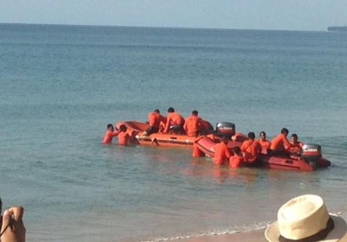 Mission accomplie de l'exercice du sauvetage en mer prêt de l'aéroport de Phuket