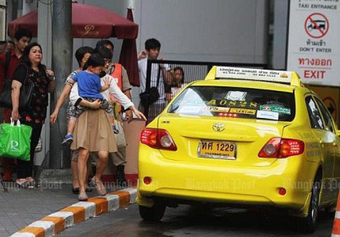 Des mesures de répression de taxi frappent 1300 conducteurs