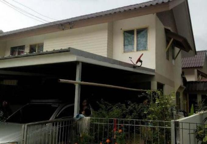 Le cambrioleur à Phuket prend 20000 Bahts