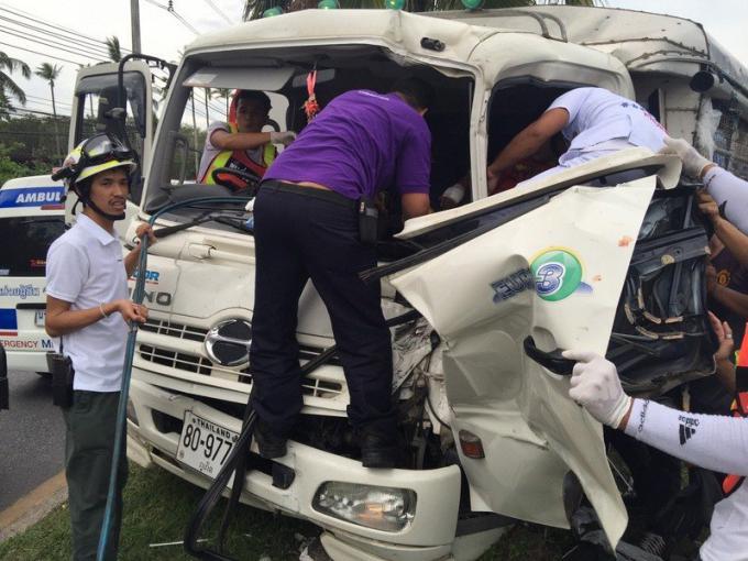 Trois blessés dans deux camions, et une voiture