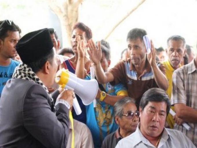 Phuket Resort encerclé par des protestant locaux sur une plainte au bureau du PM thaïlandais