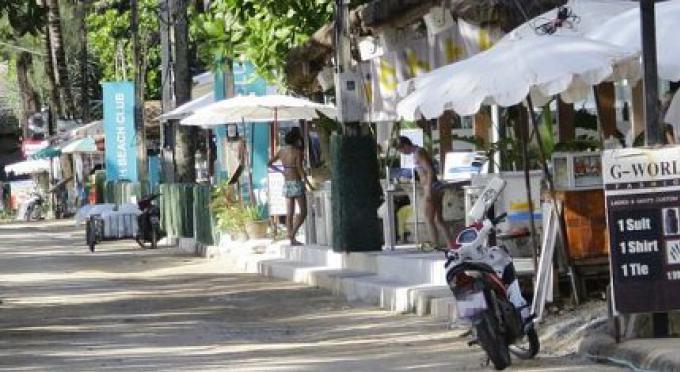 Les forces de la Marine fourniront un soutien militaire au nettoyage de Surin Beach