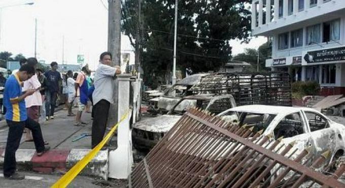 Phuket 80 mandats d'arrêt anti-émeute mais que 3 arrestations ont été faites