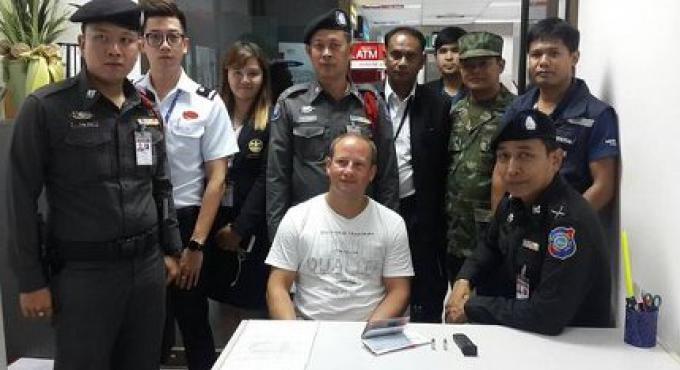 Un homme de nationalité suisse a été arrêté avec des balles à l'aéroport de Phuket