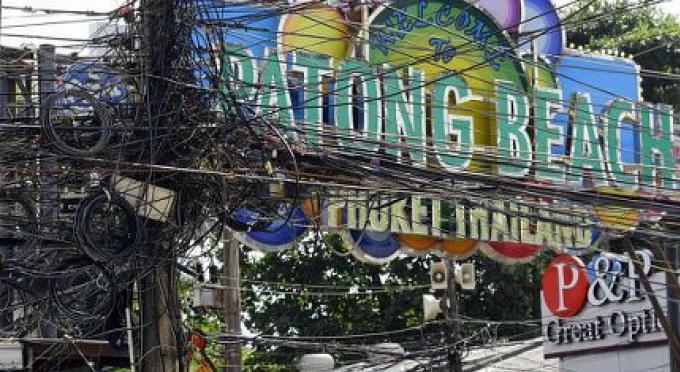 Le projet d'enterrer les câbles électriques sur Patong commencera en Juillet