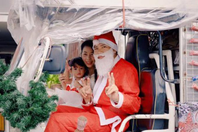 Les routes de Phuket Town ont été fermées pour la parade de Noël