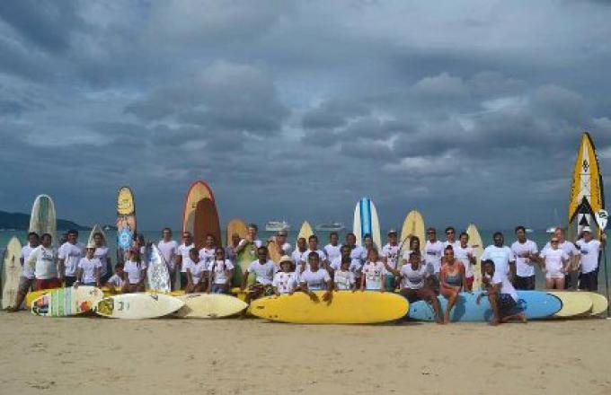 Les Surfers tiendront un service commémoratif du tsunami à Patong