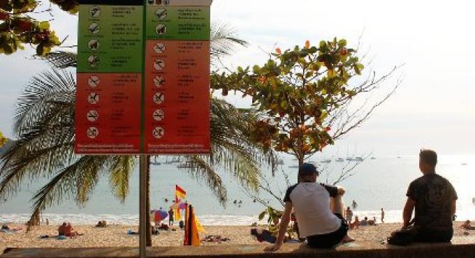 Enquête de la plage de Phuket Naiharn,  non faite correctement