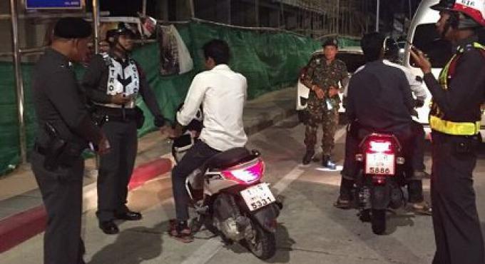 Des véhicules saisis à Phuket pendant les sept jours dangeureux ont été retournés aux propriét
