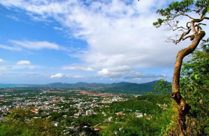 Phuket nommée Province riche