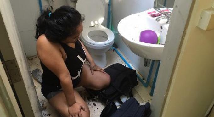 La voleuse atterrit dans les toilettes de son voisin en sautant du 3e étage