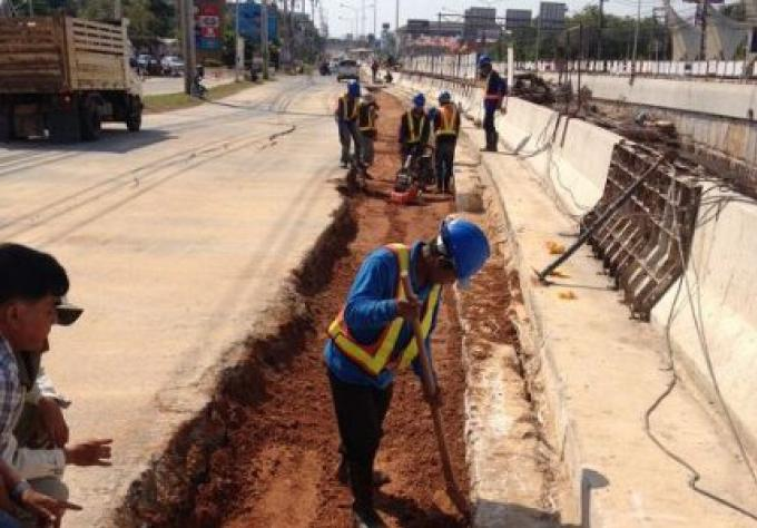 Du Ministère de la Voirie: la voie en direction du sud au souterrain Sam Kong devrait ré-ouvrir à