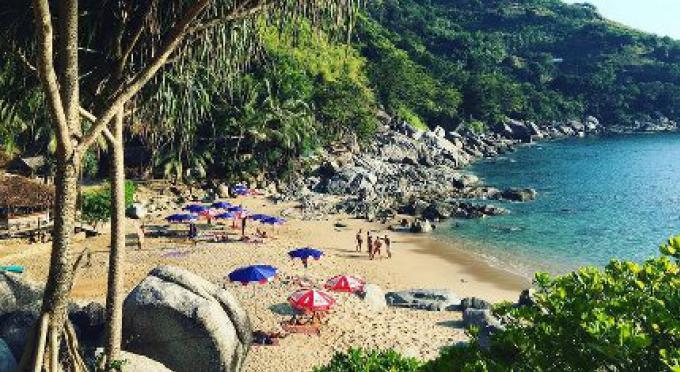 Nui Beach Club est encore ouvert...