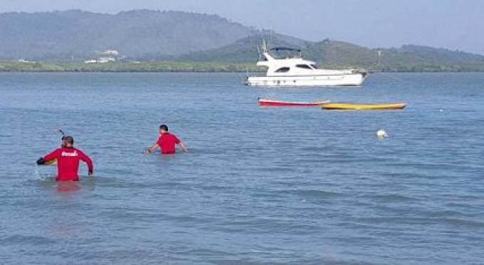 La police recherche 2 hommes, vu pour la dernière fois pagayant au large de Phuket