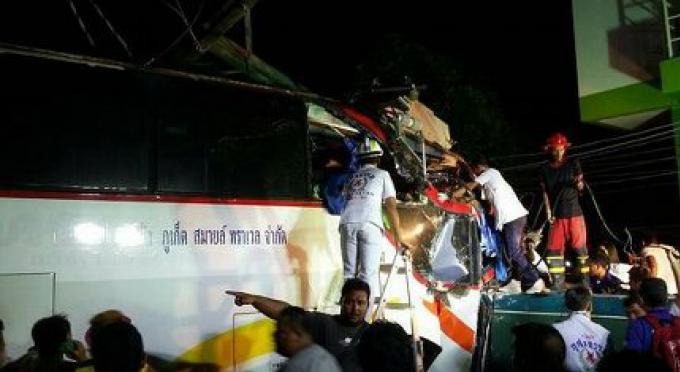Le conducteur de l'accident de bus en bas de la colline de Patong, meurt sur le chemin de l'hôpital