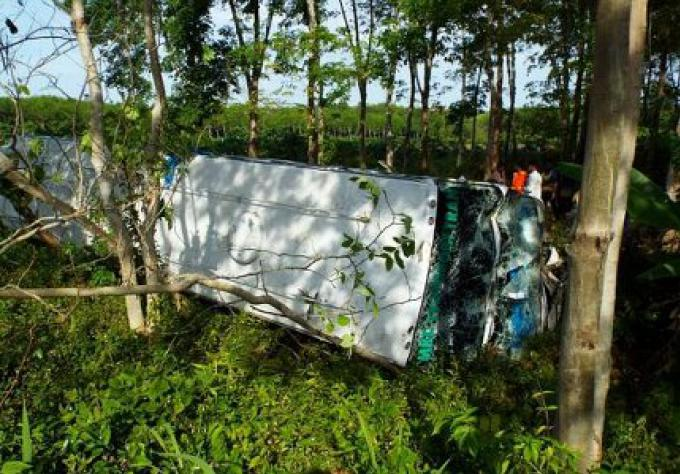 Accident de Bus à Phang Nga avec des étudiants