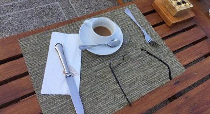 Un homme britannique meurt d'une crise cardiaque en prenant un café dans son hôtel de Patong