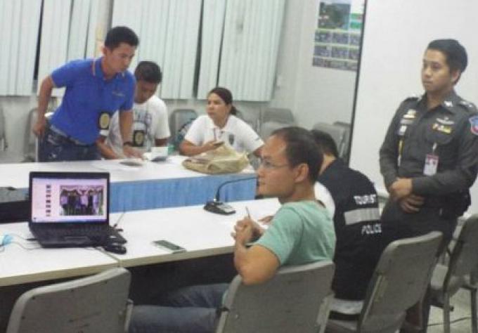Un chinois attrapé à Phuket, soupçonné d'avoir fourni des talkies-walkies, dans le gang du hold