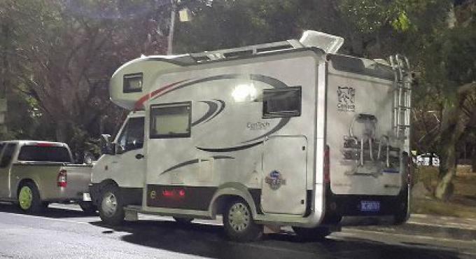 Laissez les touristes RV (camping car) rouler à Phuket, dit le sondage