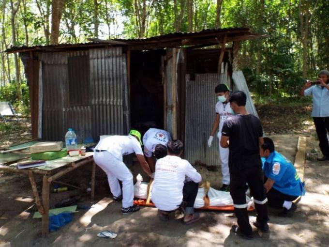 Un travailleur en caoutchouc du Myanmar retrouvé mort dans une plantation à Phuket, la police arr�