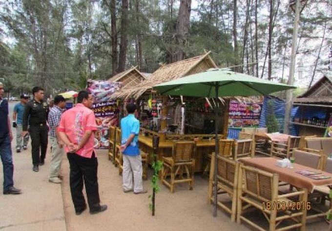 Les entreprises illégales sur Mai Khao Beach ont 15 jours pour les démolir