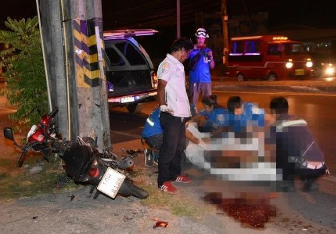 Un homme s'est tué sur la route de Phuket après avoir tapé dans un poteau électrique
