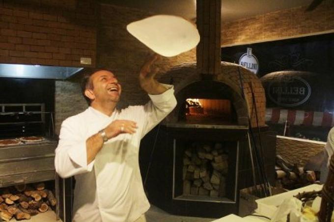 Le champion des pizzas italiennes ouvre le Bellini à Chalong