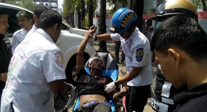 L'homme de nationalité du Myanmar qui a été attaqué à l'école Phuket le 31 mars fait face à d