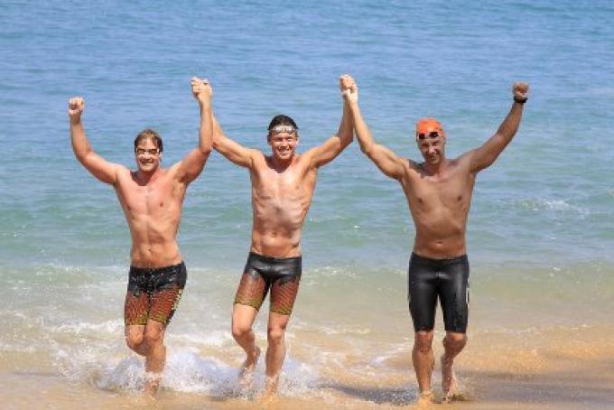 L'ultraman Suédois Jonas Colting  a fait l'histoire, il a conduit le trio pour terminer premier dan