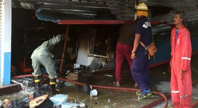 Un incendie au OTOP Plaza à Patong laisse le Restaurant Hello ravagé