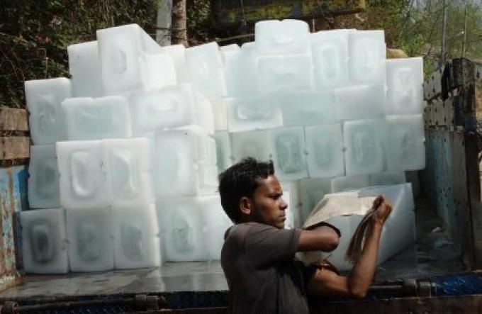 Les affaires de froid pour la Songkran