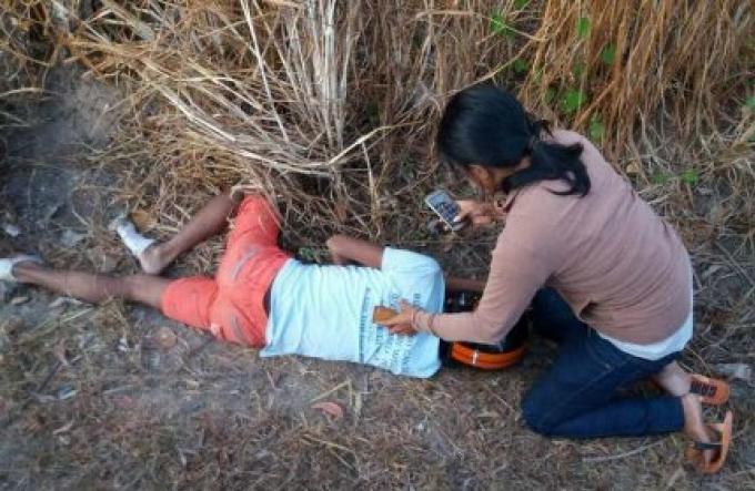 Un accident dans un pôteau éléctrique tue un motard à Cherng Talay