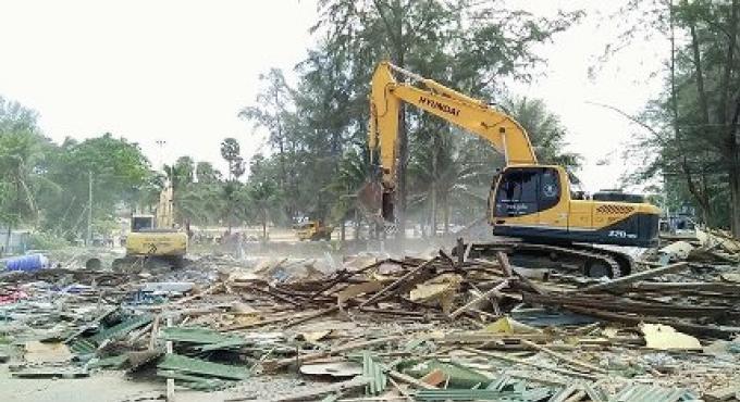 Cherng Talay OrBorTor commence l'opération de nettoyage après les démolitions d'entreprises de Su