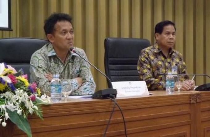 Le vice - gouverneur de Phuket sévira contre les guides de tour en tenue négligée