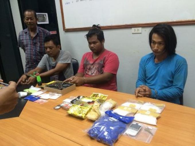 La police de Phuket a fait cinq arrestations pour de la méthamphétamine en deux jours, le butin sa
