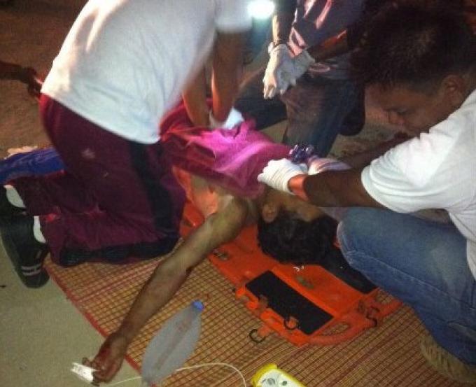 Un gang poignarde un ouvrier du Myanmar à mort devant sa famille au camp des travailleurs de Chalon