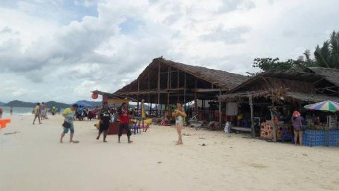 Les fonctionnaires de la Marine ont interdit les activités touristiques près des récifs corallien