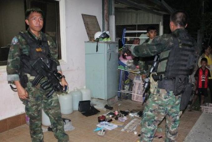 Huit joueurs de jeux d'argent et possesseurs de drogue appréhendés à Phuket