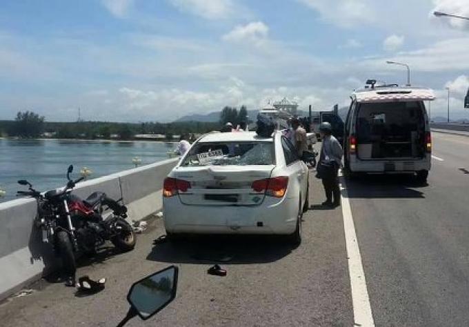 Deux personnes hospitalisés après être rentrés dans une voiture