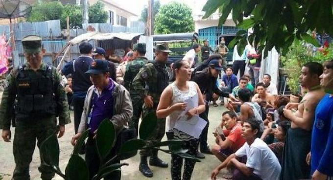 Un raid dans un camp de travailleurs conduit à 12 arrestations