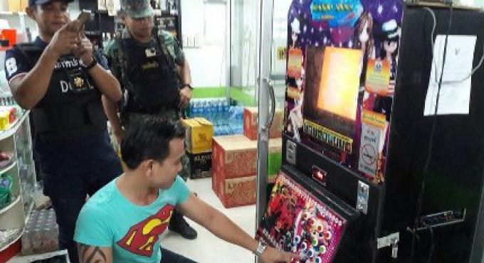 29 suspects arrêtés dans des raids à Phuket Town et  Patong pour des paris sur les jeux ainsi qu'